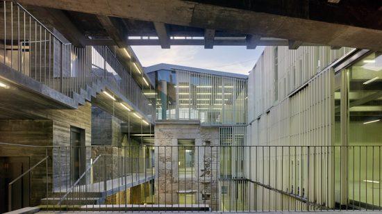 A sede dos rexistros no Casco Vello de Vigo premiada pola X Bienal Iberoamericana de Arquitectura e Urbanismo